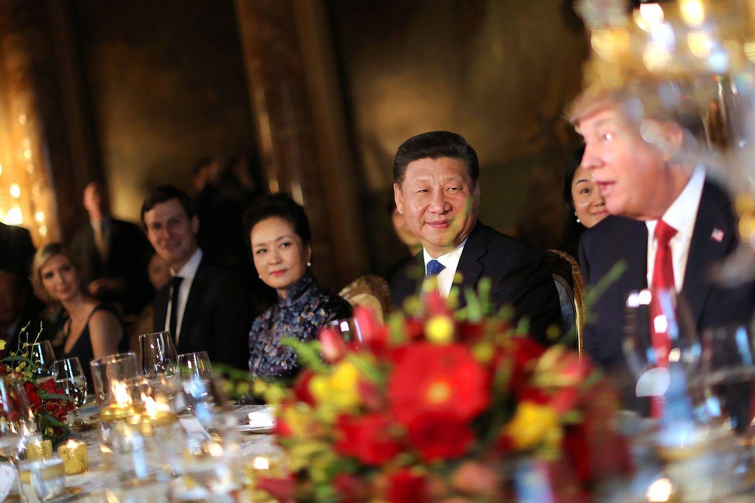 Trumpo ir Xi susitikimas: pirmasis netikėtumas – JAV atakos Sirijoje