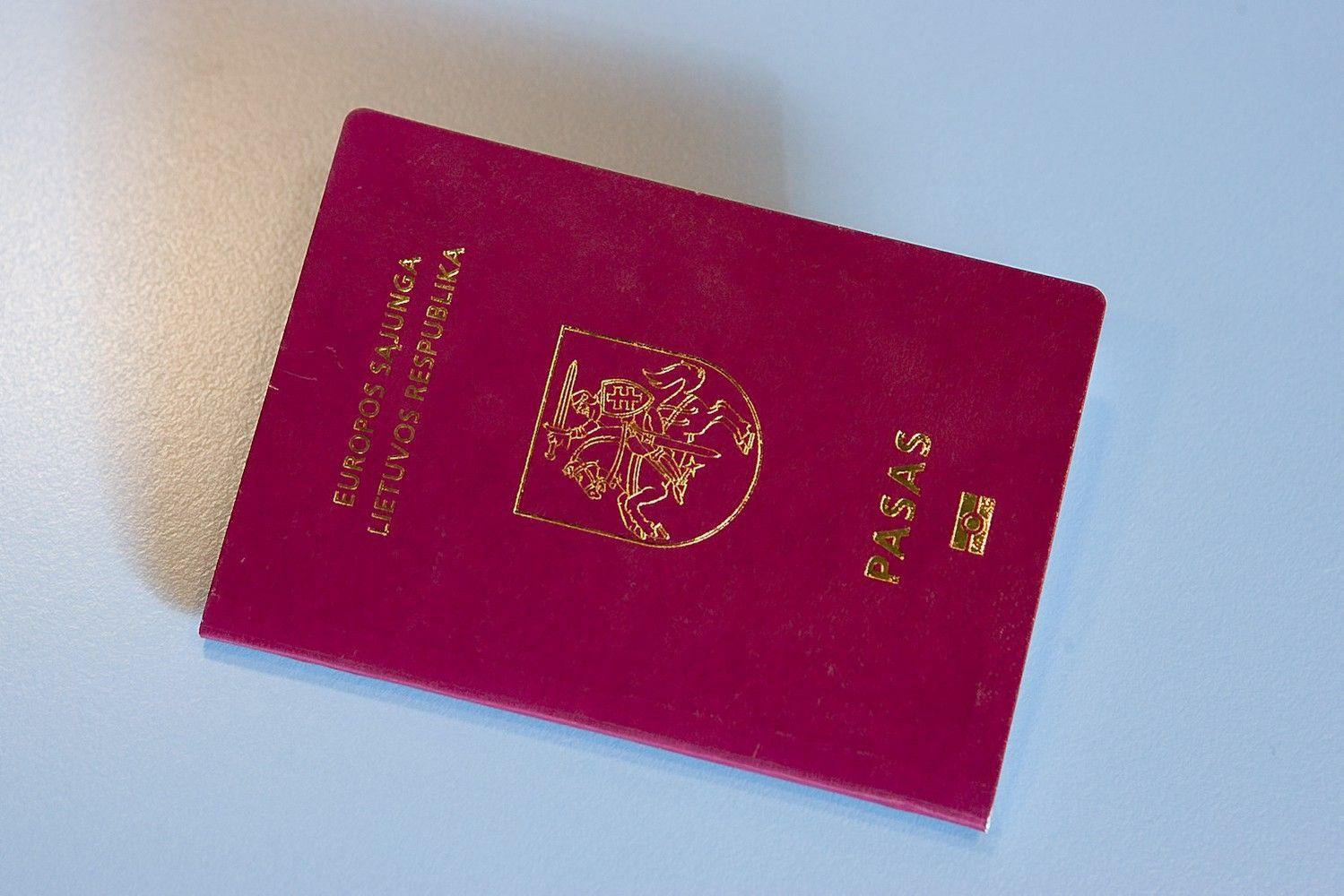 Šimtas Seimo narių siūlo išplėsti galimybę turėti dvigubą pilietybę