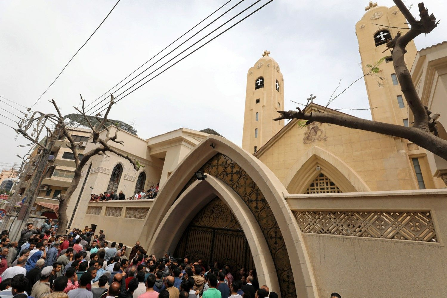 Egiptą Verbų sekmadienį sukrėtė du sprogimai bažnyčiose