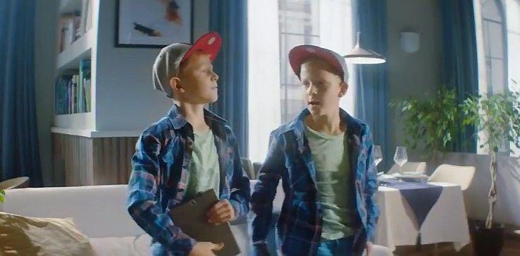 """Tarp naujausių savaitės reklamų: nuo """"Tele2"""" iki mados"""