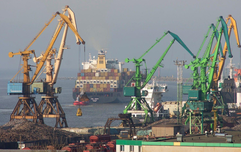 Uosto ketvirtis: sparčiau augti trukdė naftos krovinių praradimai