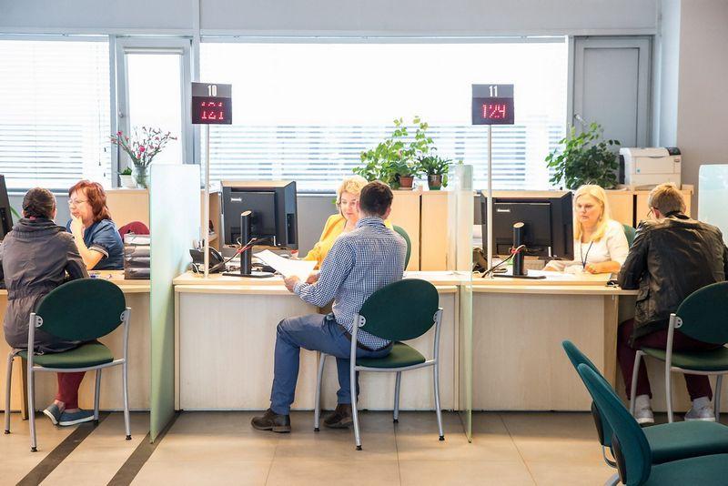 Vilniaus apskrities mokesčių inspekcijos klientų aptarnavimo skyrius Ulonų g. 2, Vilniuje. Juditos Grigelytės (VŽ) nuotr.