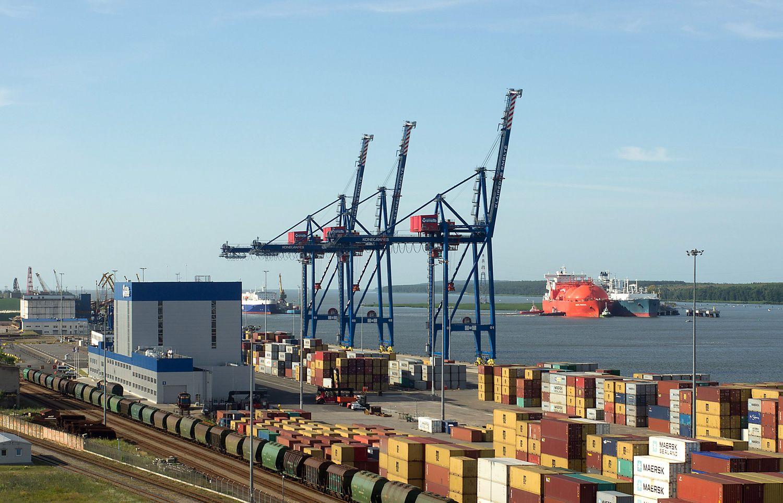 Uostų lenktynės: į Klaipėdos konteinerius kėsinasi Ryga