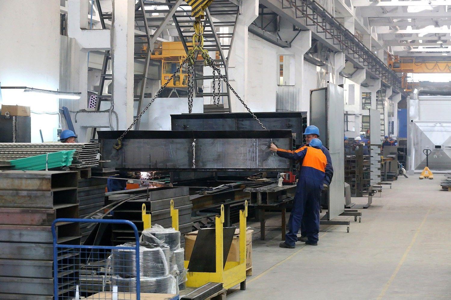 Kokius atlyginimus moka didžiausios pramonės įmonės Lietuvoje