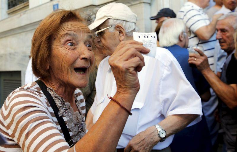 """Pasitikėję savo valstybės pensijų sistema Graikijos pensininkai skaudžiai klydo. """"Reuters"""" nuotr."""