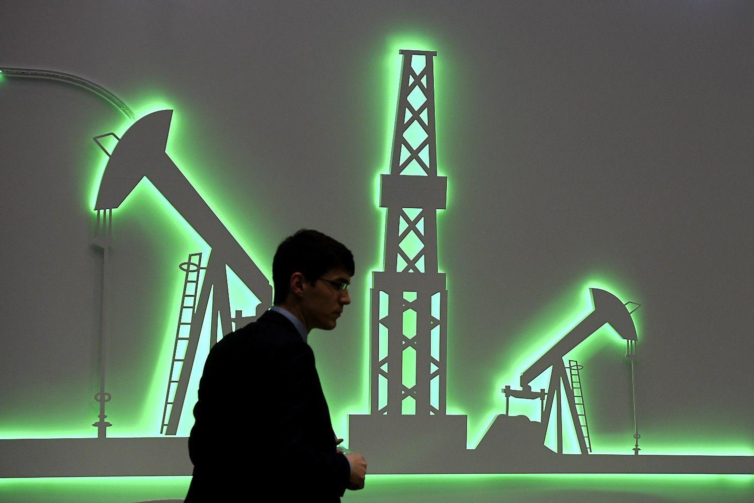 JAV bankai: naftos kainos kils iki daugiau nei 60 USD už barelį