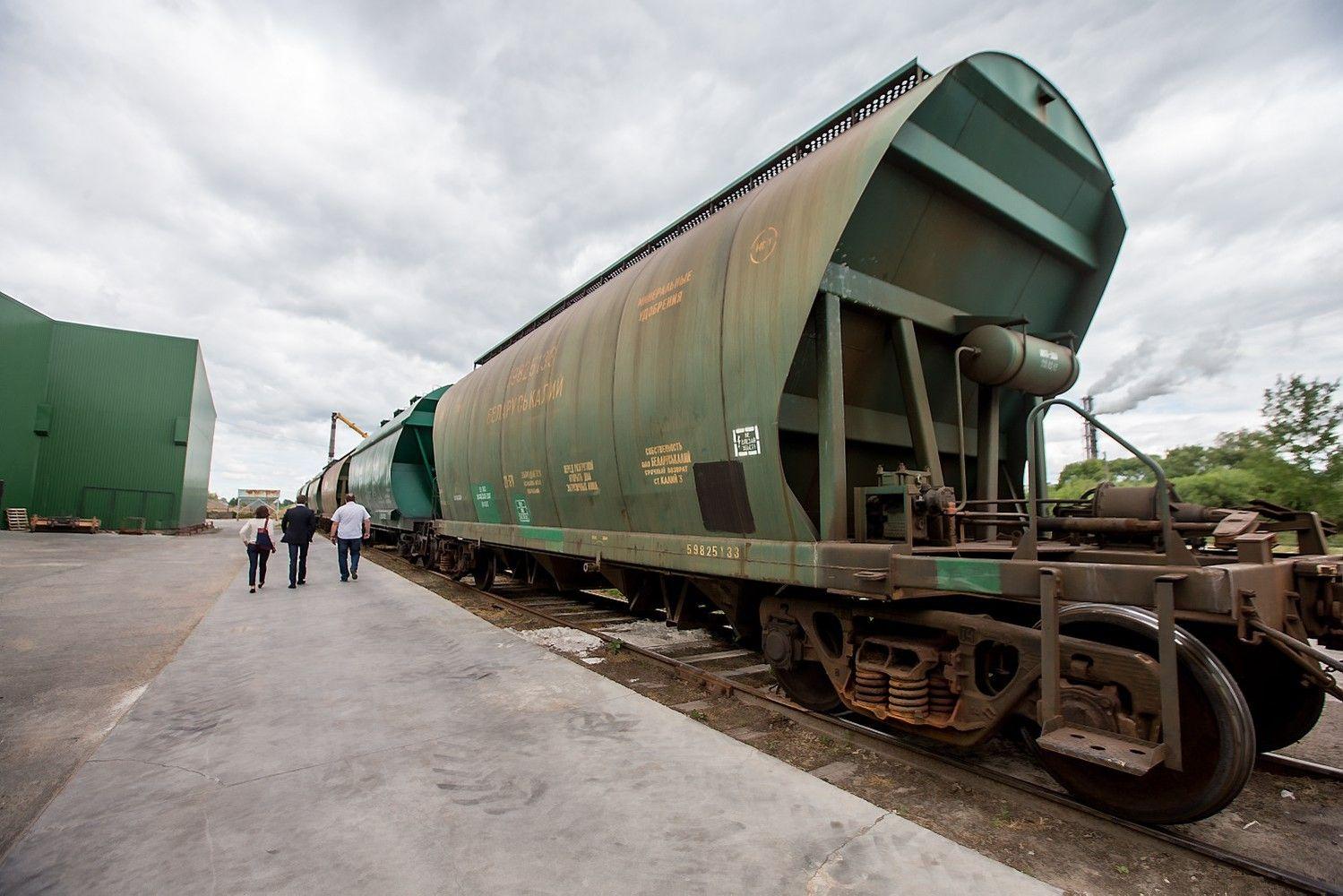"""""""Lietuvos geležinkeliai"""" krovinius iš Kinijos siūlysvežti per Šeštokus"""