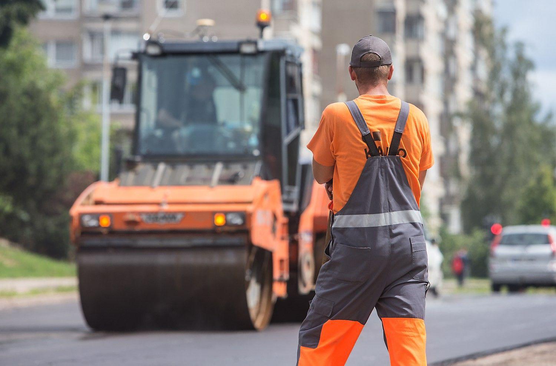 Vyriausybė nemato kliūčių kelių priežiūros įmonių sujungimui