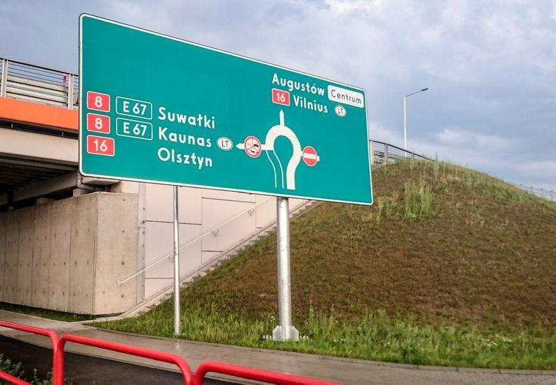 Įmonės perkantiesiems Lenkijoje jau siūlo ne tik nuvežti ar parvežti pirkinius, bet ir pasinaudoti jų adresu Lenkijoje. Juditos grigelytės (VŽ) nuotr.