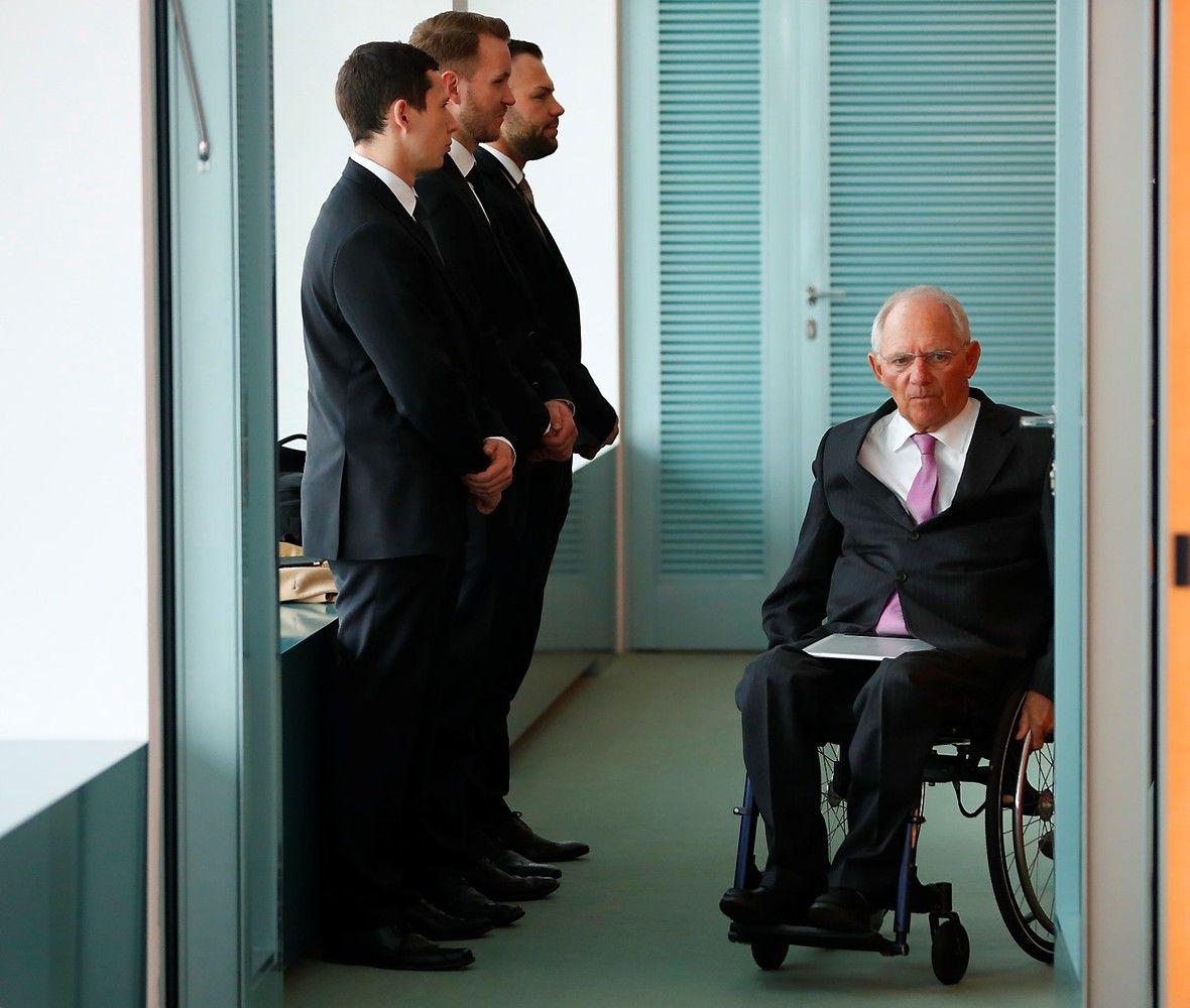 Schaeuble susiruošė atremti Trumpo ir Lagarde priekaištus Vokietijai
