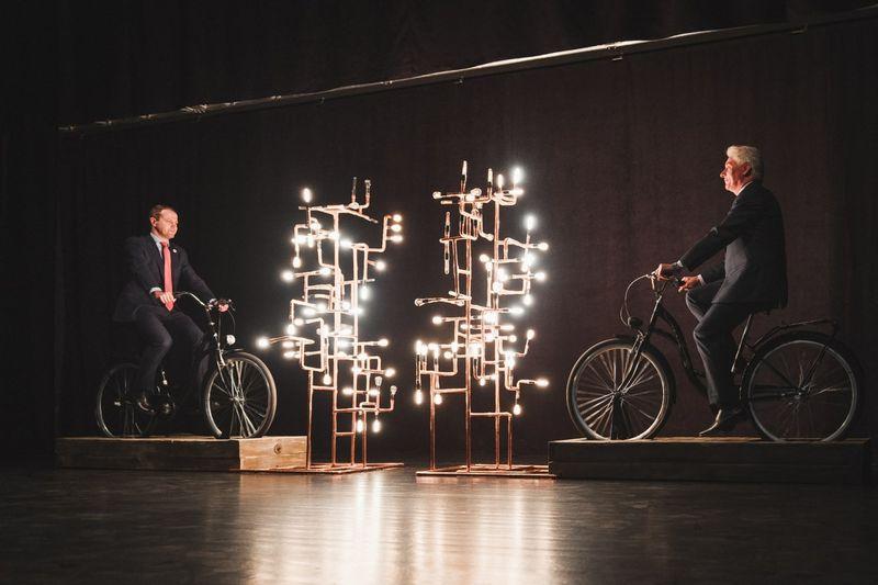 Energetikos ir technikos muziejuje (Rinktinės g. 2, Vilnius) vyks edukacinės ekskursijos, jų metu bus galima išbandyti savadarbį elektrinės maketą – minant dviratį įžiebti elektros lempučių medį.
