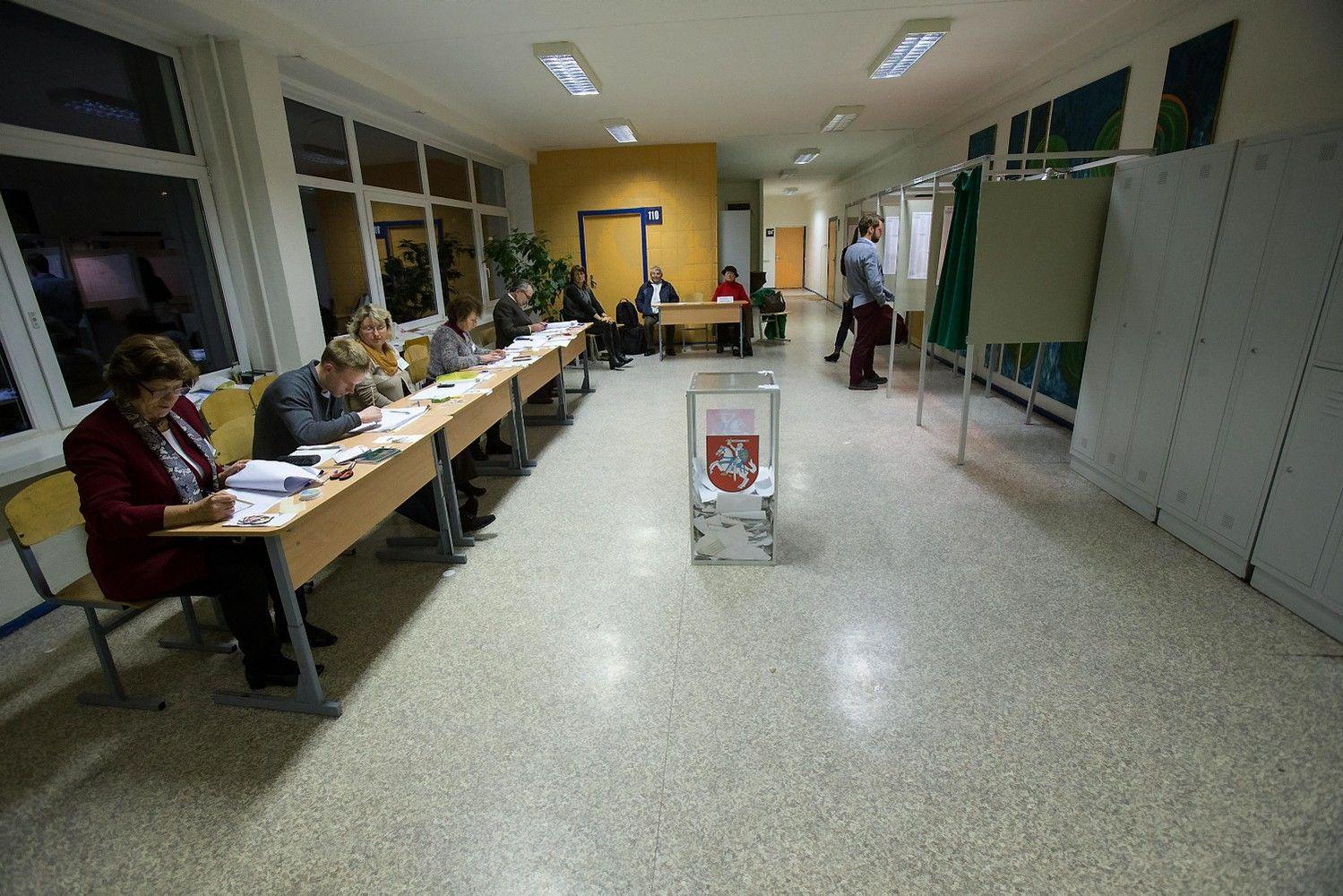 Seimo narys Anykščiuose ir dviejų rajonų merai bus išrinkti gegužę