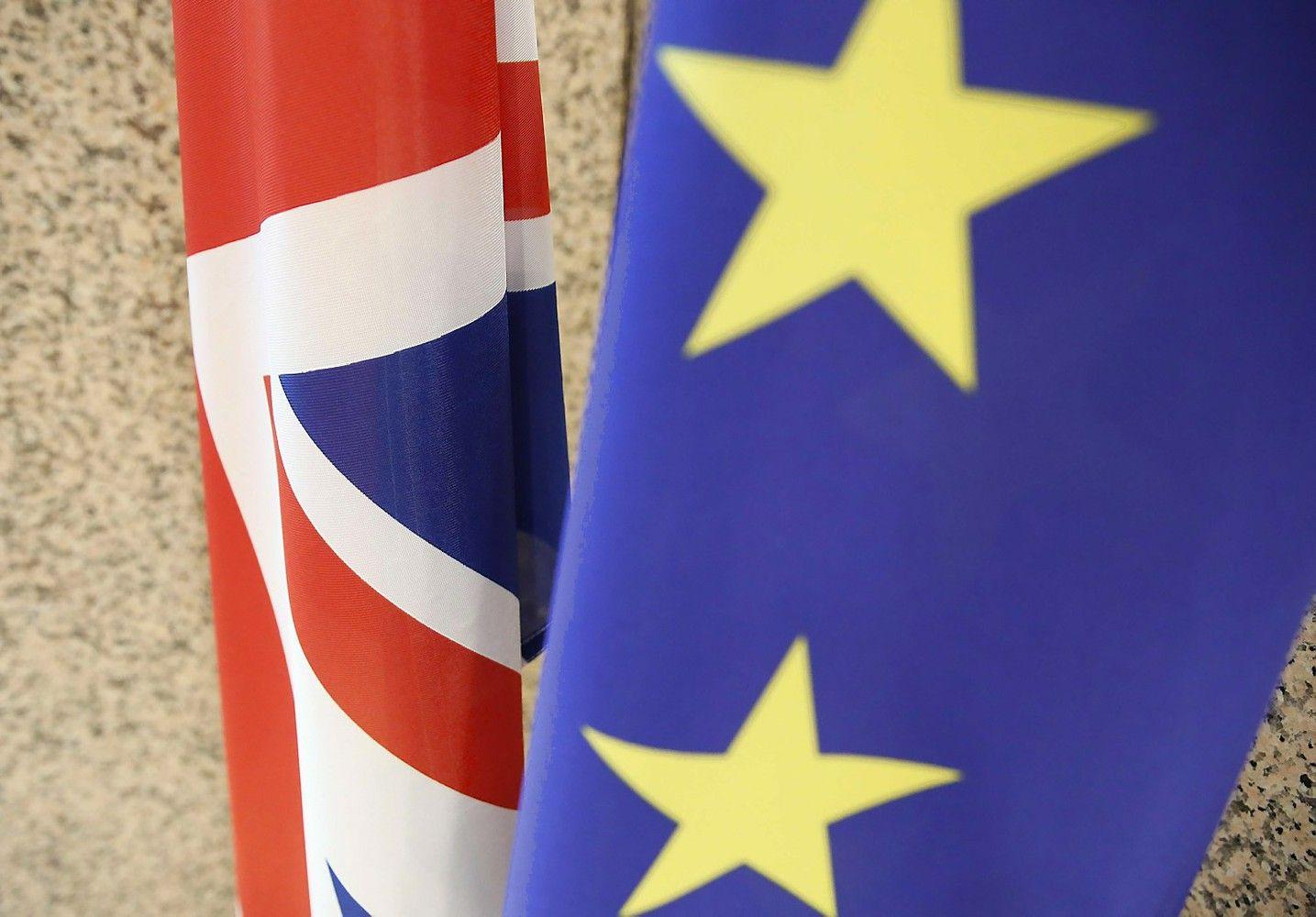 """ES griežtina """"Brexit"""" derybų poziciją"""