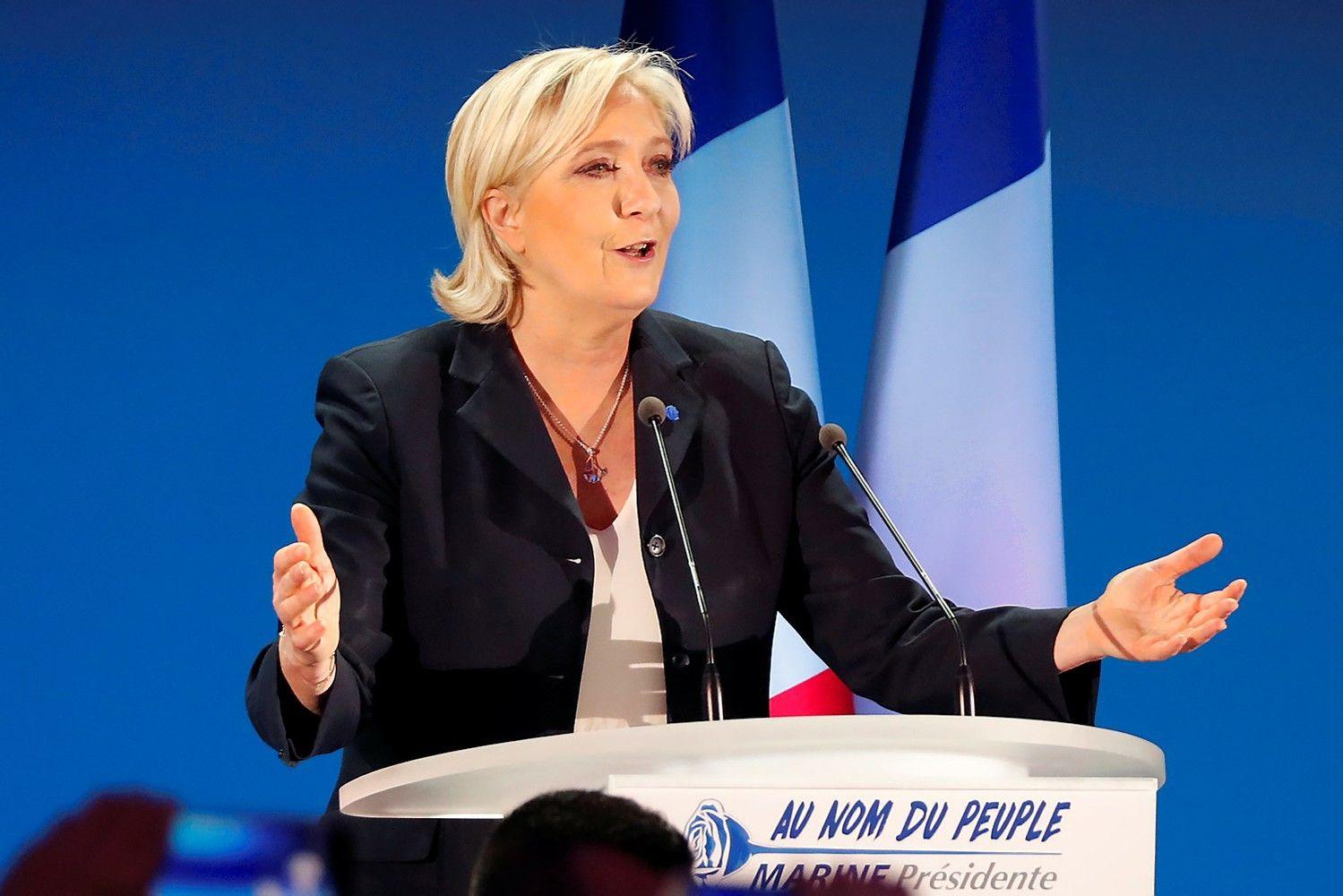 Le Pen pasitraukė iš savo partijos lyderės posto