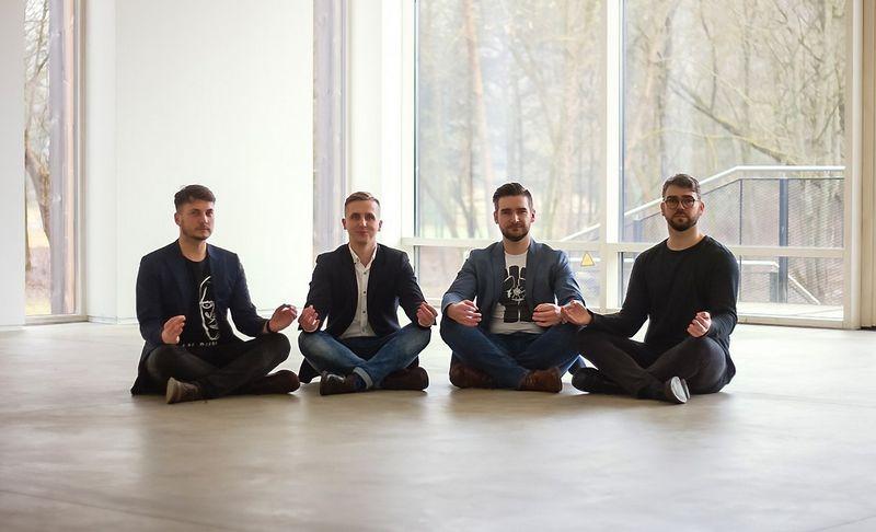 Nuotraukoje iš kairės: Vytenis Škarnulis, Dovydas Stulpinas, Gintaras Gimžauskas ir Arnas Grigaliūnas. Bendrovės nuotr.