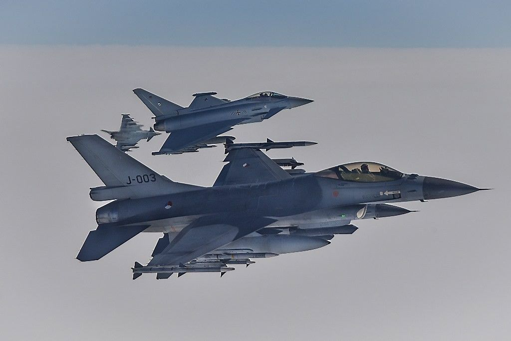 NATOantrą dieną kelia naikintuvus virš Baltijos šalių