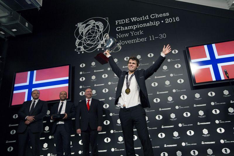 """""""Jaučiu, kad nebesu jaunas žaidėjas"""", – sako norvegas pasaulio čempionas Magnusas Carlsenas. NTB / """"Scanpix"""" nuotr."""