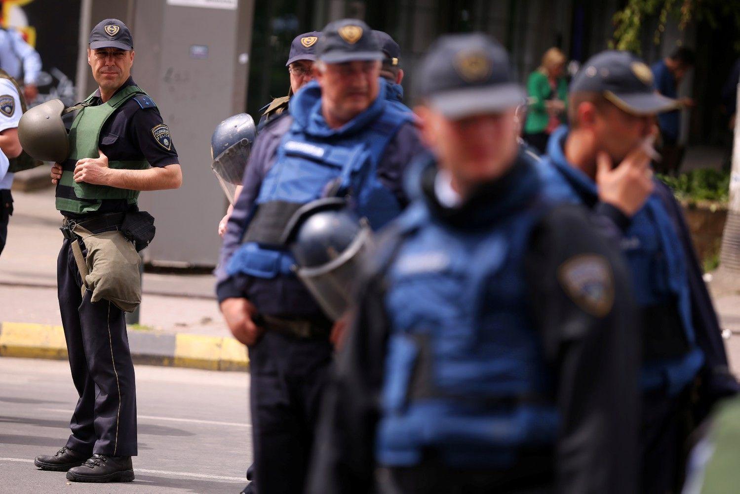 Balkanuose didėja įtampa: ES ir NATO paragino tučtuojau nutraukti smurtą