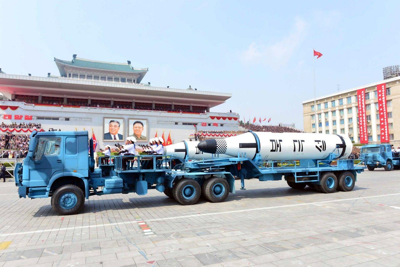 Šiaurės Korėja nesėkmingai išbandė balistinę raketą