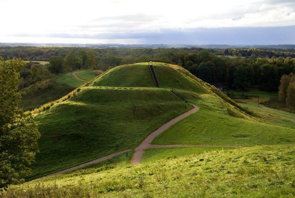 Išskirtiniaipiliakalniai Lietuvoje: kuris gražiausias