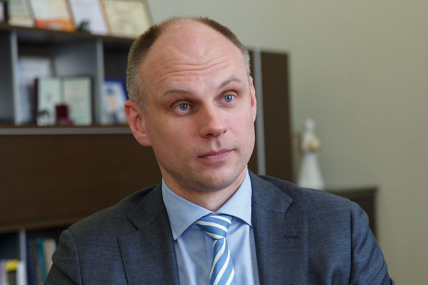"""Buvęs ministras """"Lietuvos geležinkelius"""" saugos nuo korupcijos"""