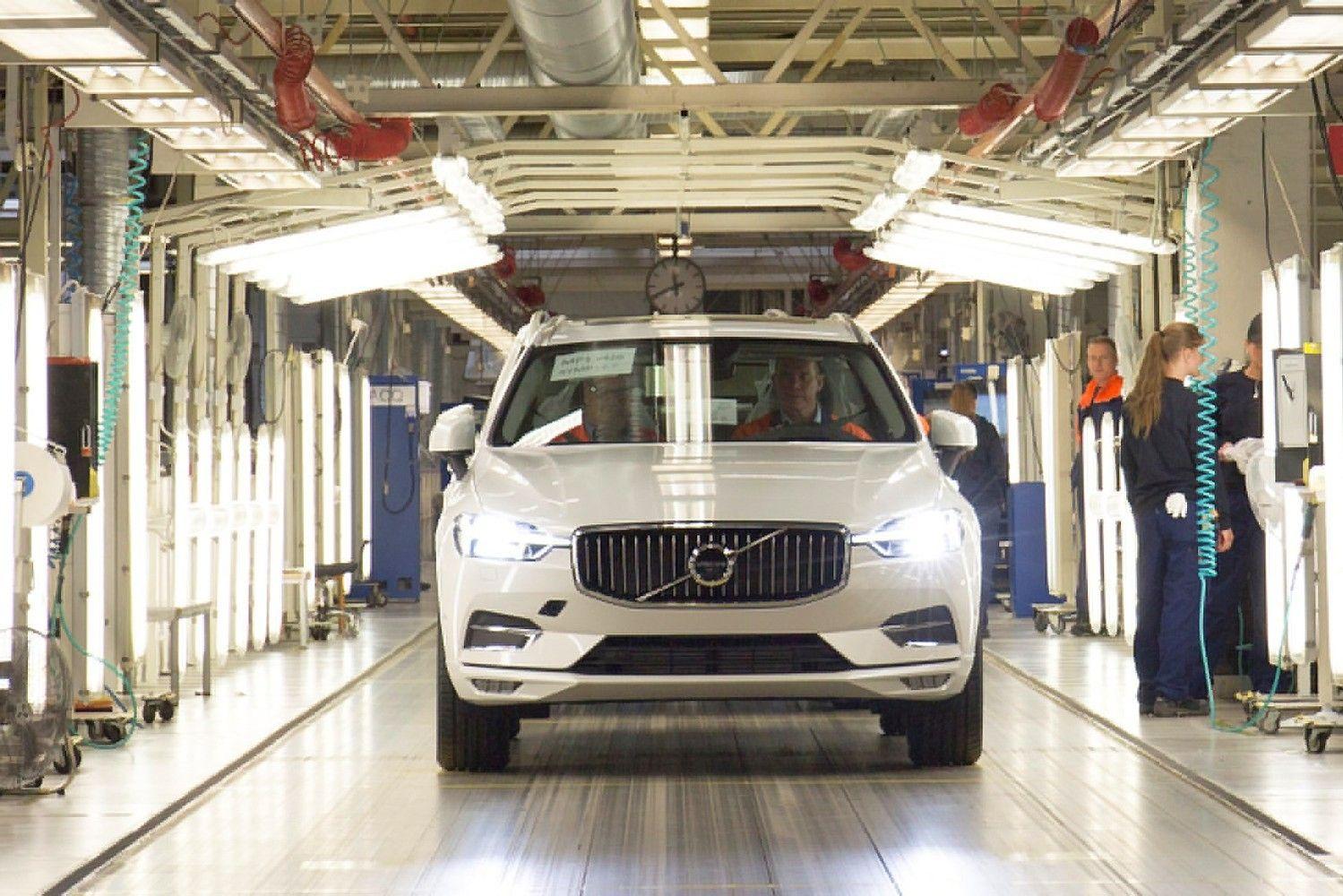 """""""Volvo"""" ėmėsi populiariojo XC60 visureigio gamybos"""