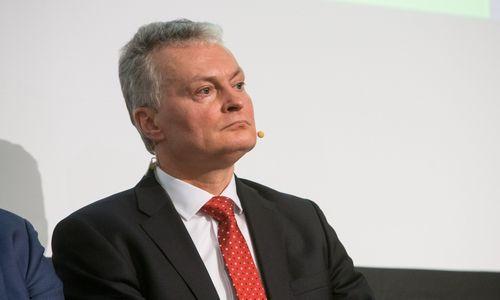SEB gerina ekonomikos prognozę, bet sako, kadreikia skubiospagalbos