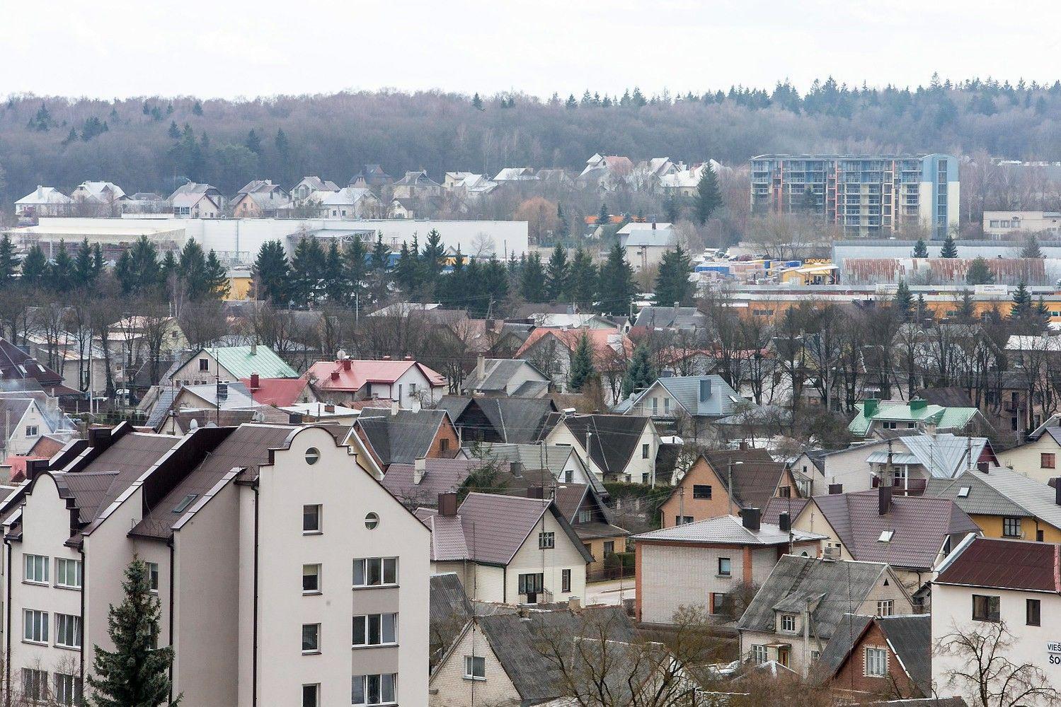 Varžytynėse ir aukcionuose internete parduota turto už 14 mln. Eur