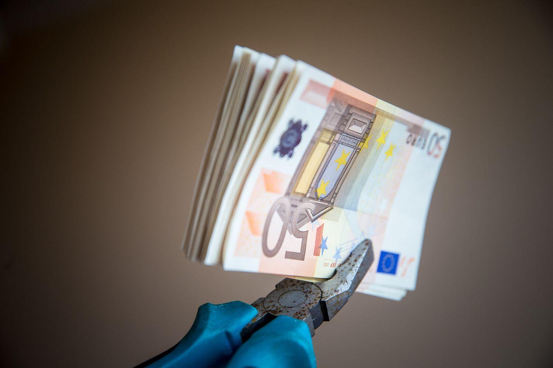 Tarpusavio skolinimo rinkos apžvalga:paskolos didėja,palūkanos mažėja