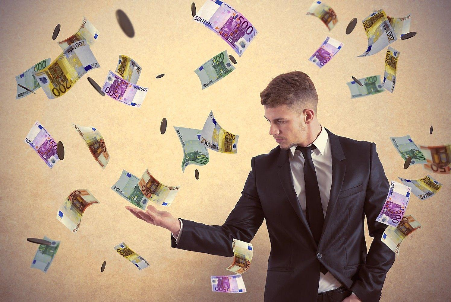 Lietuvoje – vėl pinigų lietus