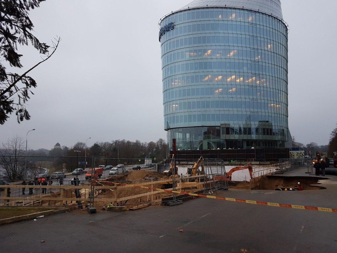 """Dėl avarijos prie """"Green Hall 2"""" kaltina statybininkus ir projektuotojus"""