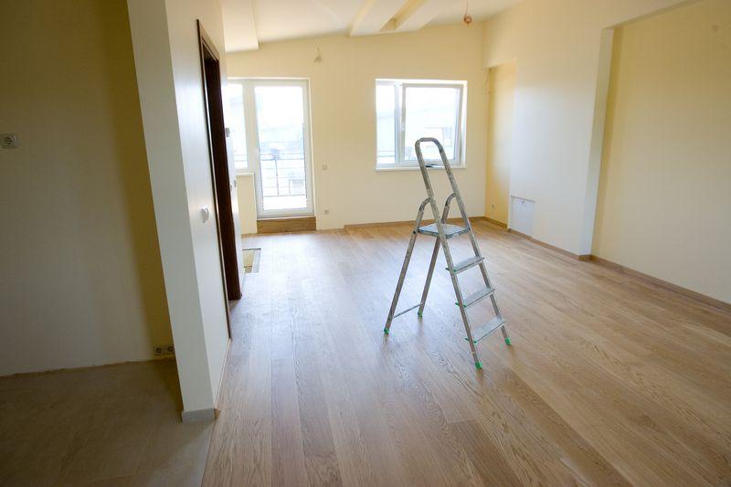 Išlaidos, patirtos dėl jau įrengto būsto paprasto remonto, anot VMI, apmokestinamųjų pajamų nemažina. Vladimiro Ivanovo (VŽ) nuotr.