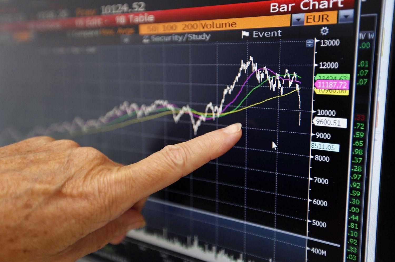Prancūzijoje akcijos Macrono pergalės laukia kopdamos į 2008 m. aukštumas