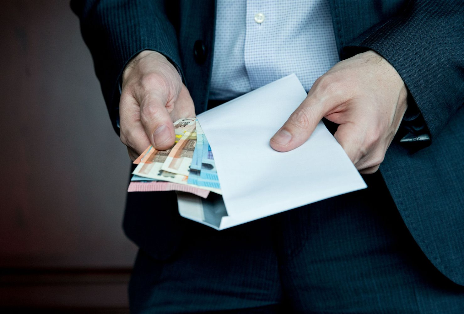 Vidutinės algosLietuvos bankuose: skirtumas –per2.000 Eur
