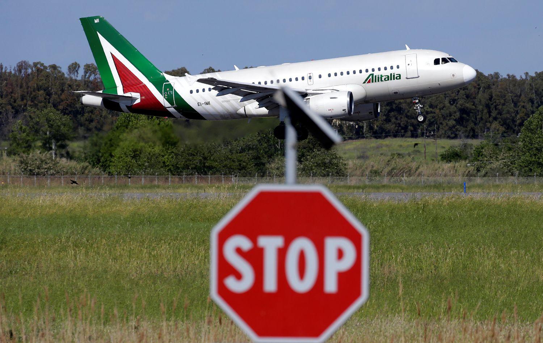 Alitalia Should Fly Solo or Be Grounded: Ferdinando Giugliano