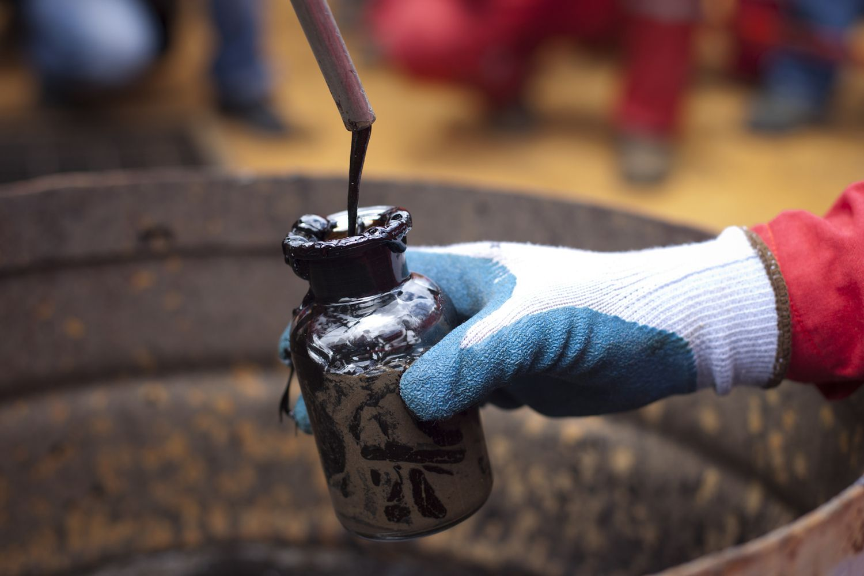 Naftos kainos išbandė 5 mėnesių žemumas