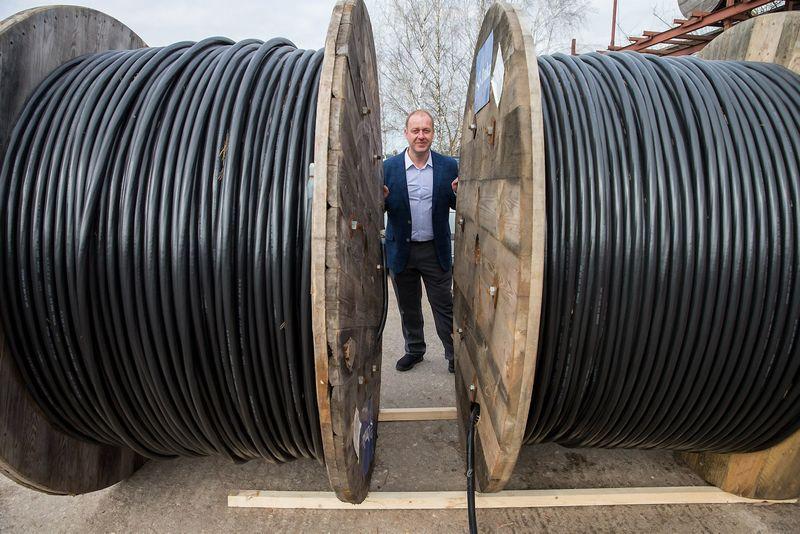 """Audrius Šukys, UAB """"Elektrokomplektas"""" generalinis direktorius: """"Pradžiugino, kad kai kurios įmonės apsisprendė produkciją pirkti iš mūsų ir dėl to, kad esame lietuviško kapitalo įmonė."""" Juditos Grigelytės (VŽ) nuotr."""