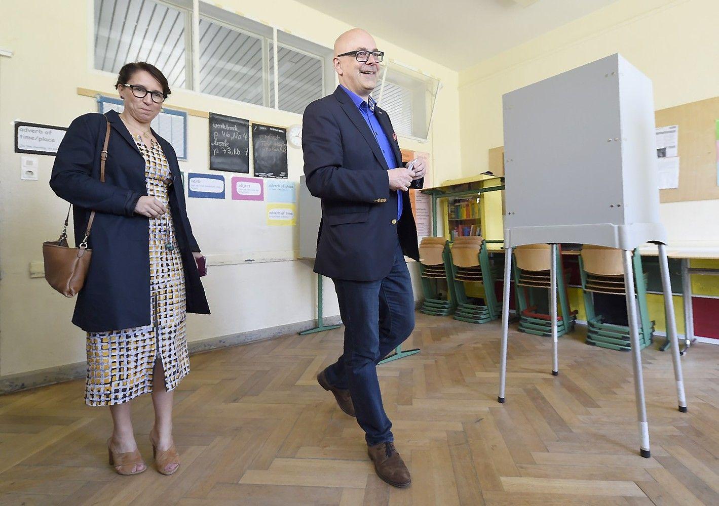 Žingsnis link 4-os kadencijos: Merkel laimėjo rinkimus dar vienoje žemėje