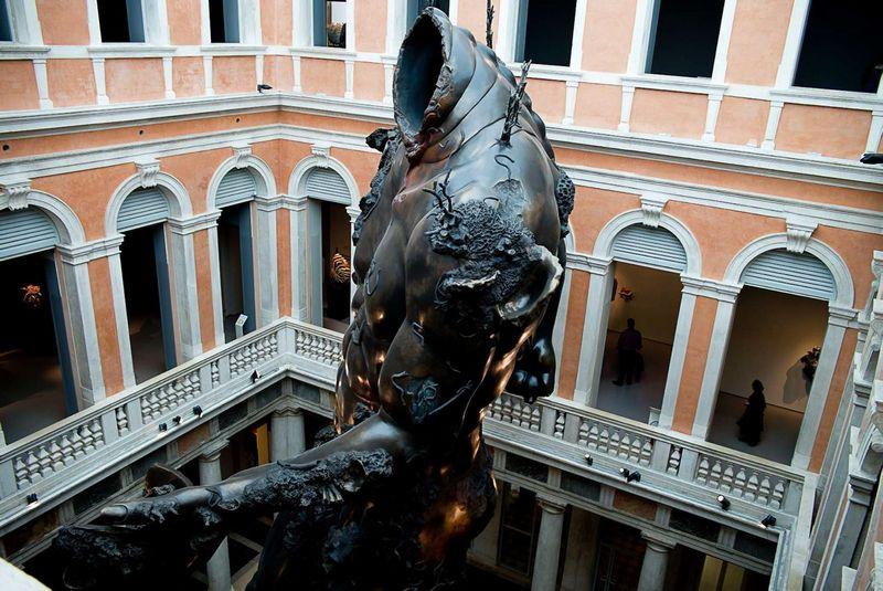 """57-osios Venecijos bienalės eksponatai. """"Sipa""""/ """"Scanpix"""" nuotr."""