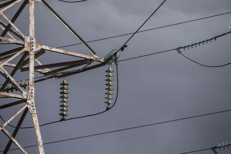Rekonstruotos aukštos įtampos elektros linijos virš Kuršių marių