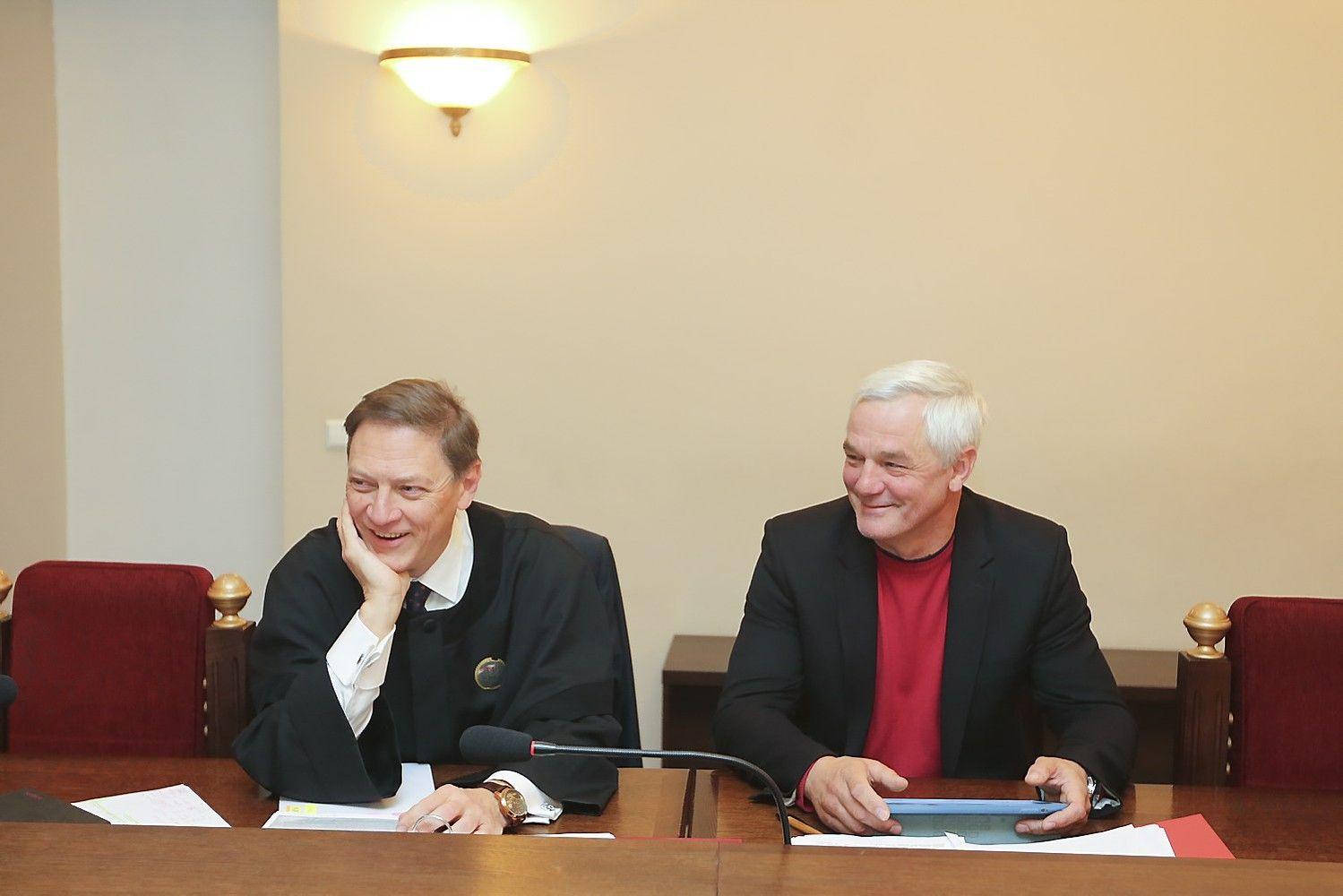 Matuzo ir Romanovskio bylą nagrinės išpėstinė LAT kolegija