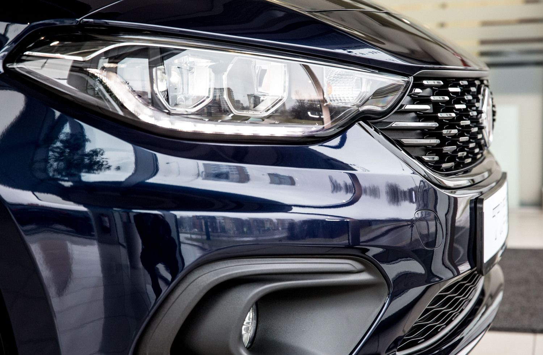 Balandį automobilių rinka smuko žemyn 6,6%