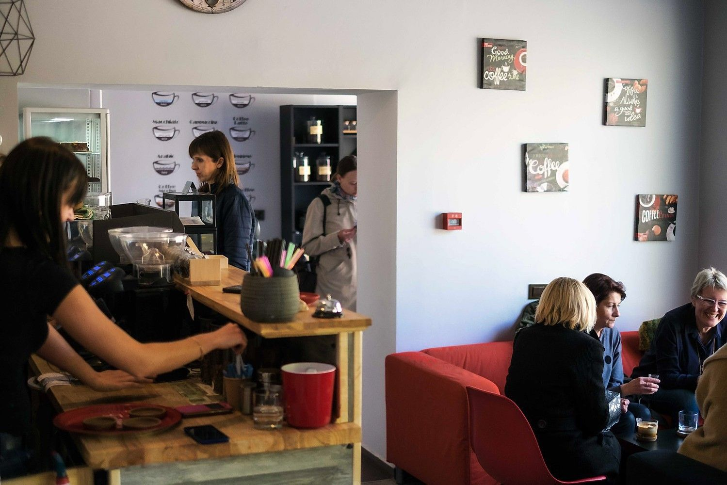 Kavinė be savo kavos aparato pelną skynė jau pirmą mėnesį
