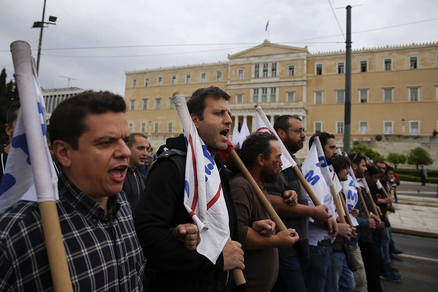 Graikiją sukaustė streikas: protestuojama prieš taupymą