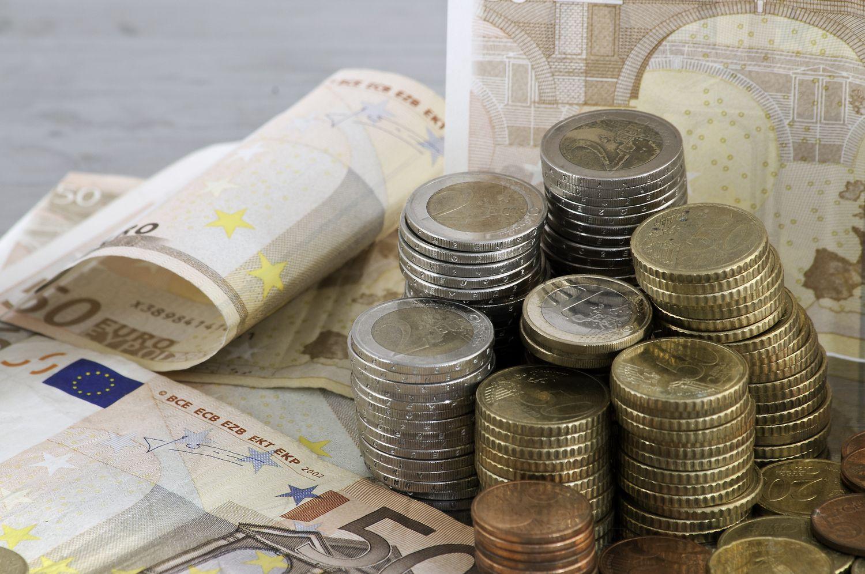 Lietuva penktadienį žengė į skolinimosi rinkas