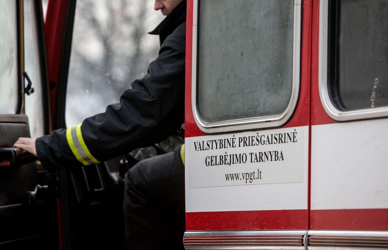 """Į renovuojamą Mindaugo""""Maximą"""" skubėjo ugniagesiai"""