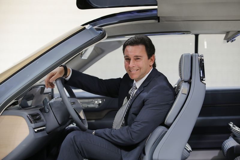 "Markas Fieldsas, ""Ford Motor Co."" vadovas. Eduardo Munozo (""Reuters"" / ""Scanpix"") nuotr."