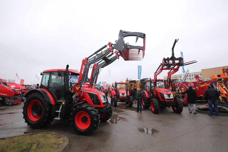 Traktorių pardavimai pajudėjo, bet kol kas nedžiugina
