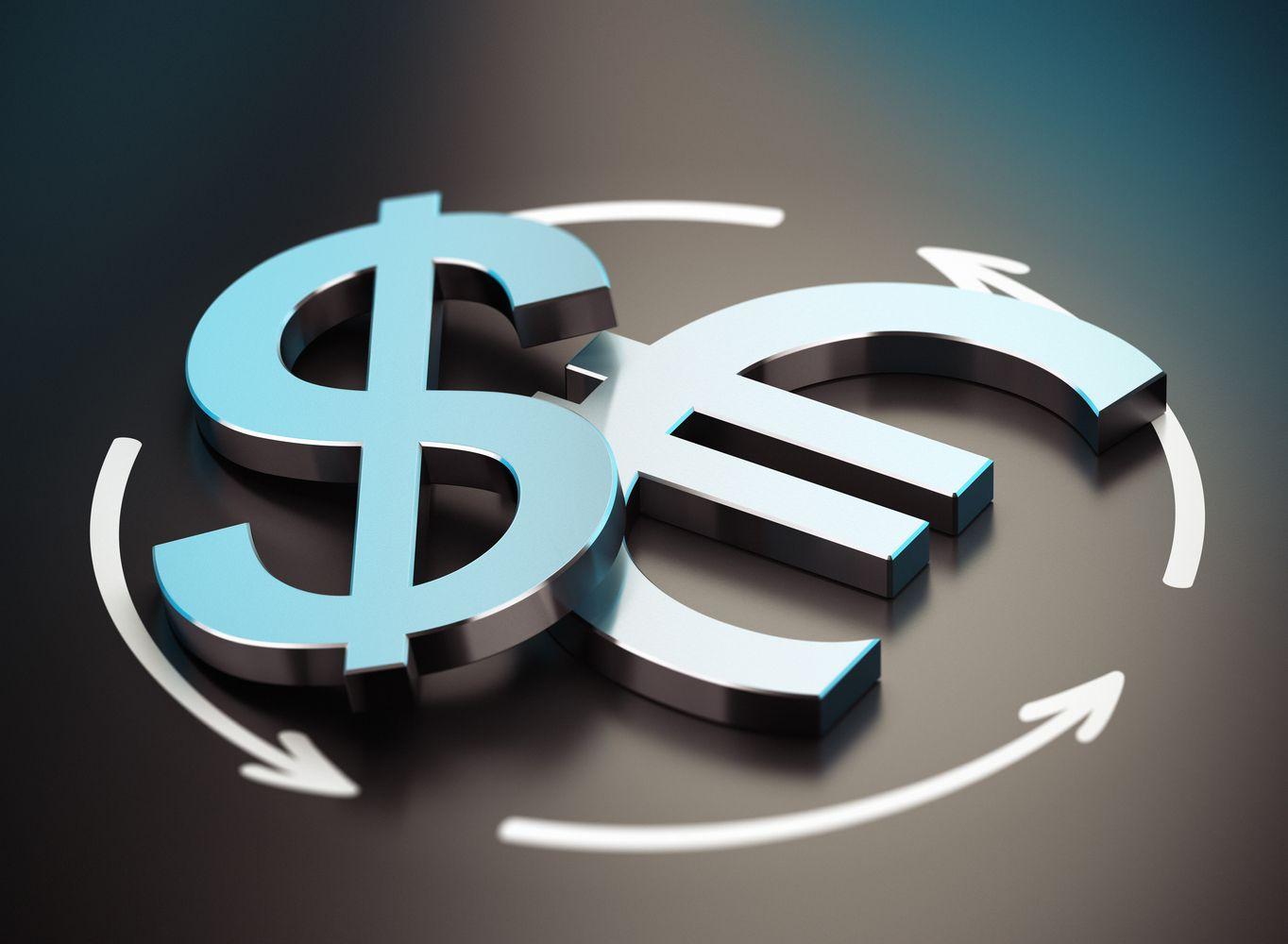 JAV doleris bando lipti iš duobės