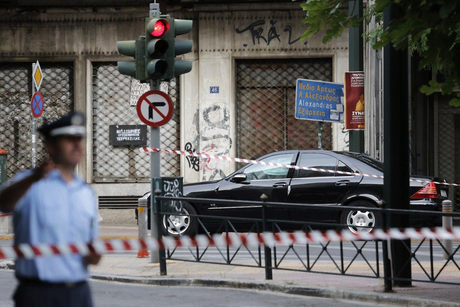 Buvęs Graikijos premjeras sužeistas per sprogimą automobilyje
